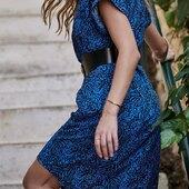 Hello Rhoda ! Cette robe aux manches courtes évasées et cintrée à la taille fait partie de la capsule Les looks de Septembre 💙  Évidemment, disponible sur notre site https://laureplusmax.com/fr/  N'oubliez pas, les retours sont gratuits !  Une question ? Un doute ? N'hésitez pas à nous envoyer un petit DM.   #laureplusmax #robes #Rhoda #imprimé #premièrecapsule #leslooksdeseptembre