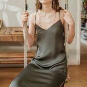 Plus que quelques pièces disponibles...La robe RIMINI est une de vos préfs et nous aussi 🖤 Dispo en noir ou kaki  www.laureplusmax.com  #laureplusmax #dress #robe #ootd #lookoftheday #beauty #brand #instafashion