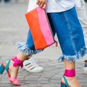 Inspiration du jour : Des couleurs vives et une démarche assurée...  #laureplusmax #inspiration #nouvellecapsule #streetstyle